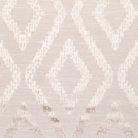 Akuchi - Champagne - Fabric with beige background with bold lighter diamond pattern