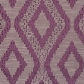 Akuchi - Cassis - Fabric with dark red background with bold lighter diamond pattern