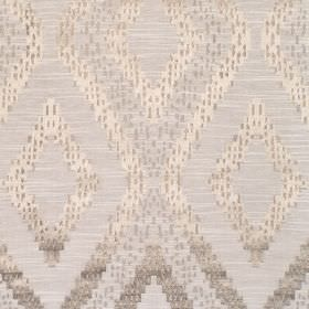 Akuchi - Linen - Fabric with light grey background with bold shiny diamond pattern