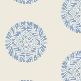 Palmyra (Cotton) - 4 - Round patterns made up of blue leaves and geometric shapes against a background of off-white cotton fabric