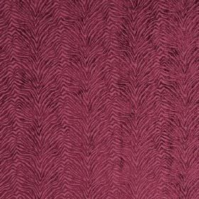 Leonardo - Amaranto - Hard wearing fabric in marroon, with a pattern of raised, textured animal stripes