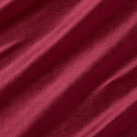 Soho Silk - Colette - Plain fabric made from both viscose and silk in a dark pink colour