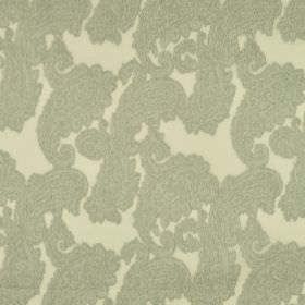 Kanty - Grijs (1) - Light grey coloured blurred paisley style shapes patterning a light yellow coloured 100% polyester fabric background