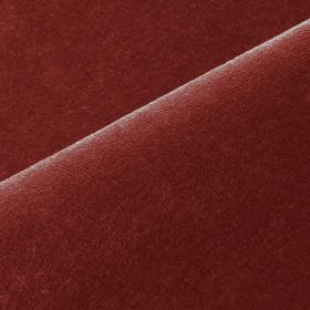 Scala - Red (29) - Cotton and polynosic blended together into unpatterned dark burgundy coloured fabric