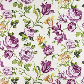 Portia - Cassis - Shaded purple-pink and white flowers with realistic green leaves on a background of white cotton fabric