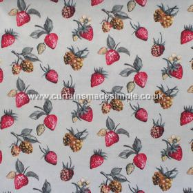 Bramble - Linen - Strawberries and brambles on linen grey fabric