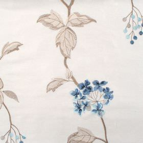 Nina - Azure - Classic azure blue floral pattern on white fabric