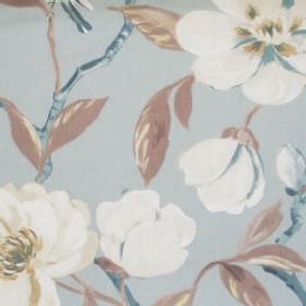 Chinoise - Marine - Pale blue cotton fabric patterned with cream coloured flowers and grey leaves