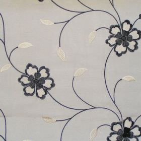Amaze - Onyx - Onyx black flowers on vines on white fabric