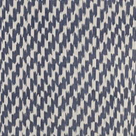Paziols - Indigo - Short, dashed vertical brushstrokes covering 100% cotton fabric in chalk white and dark navy blue colours