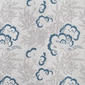 Clouds Garden - Quink - Simple fabric made from linen in white decorated with a pattern of blue flowers and light grey plants