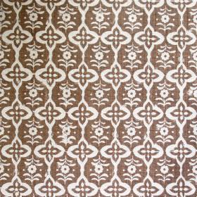 Cordoba - Cinnamon - Fabric made out of linen decorated with intertwining elegant shapes in colours white and cinnamon
