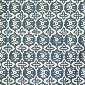 Cordoba - Indigo - Fabric made out of linen in colour indigo blue decorated with white elegant pattern named Cordoba