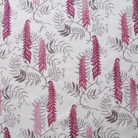 Meadows Edge - Cranberry - Fabric made out of linen in white embellished with meadow pattern presenting plants in cranberry and grey