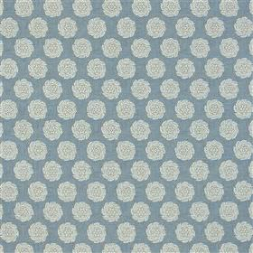 Barrameda - Sky - Rows of individual roses printed on 100% cotton fabric in grey-white and light dusky blue colours