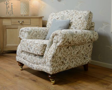 Art of the Loom -  Art of the Loom Fabric Collection - Elegant white upholstered armchair decorated with floral pattern in gold and silver and a plain silver cushion