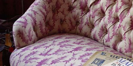 Elanbach -  Something Thirties Fabric Collection - Sofa covered in pink and cream oak leaves