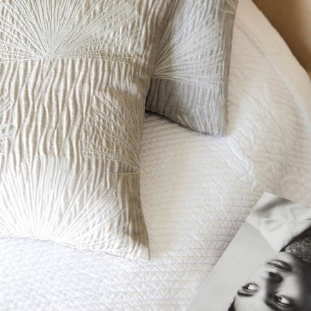 Fibre Naturelle -  Dynamix Fabric Collection - Elegant wrinkled design on cushions in light beige and light grey from the Dynamix Fabric Collection