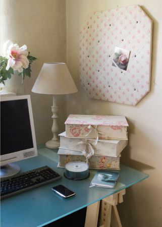 Kate Forman -  Kate Forman Fabric Collection - Notice bored covered with white fabric and jewellery boxes with white and blue fabric decorated with detailed flower designs